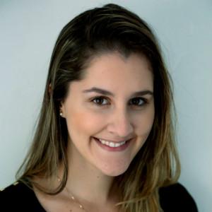 Flávia Aguiar